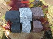 Kostka granitowa, łupana, (czarna /SZWED/, szara średnioziarnista i czerwona /VANGA/)