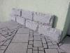 Bosierte Verblender DIESMAL AUS PLATTEN / Bossensteine aus Granit-Platten (grau, feinkörnig)
