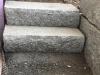 Sonderanfertigung aus Naturstein - Blockstufen aus Granit, gesägt-gespalten (grauer Granit aus Polen)
