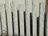 Sonderanfertigung aus Naturstein - Palisaden aus Granit (gesägt-gespalten) / Granitpfosten / Zaunpfosten aus Granit / Natursteinpfosten / Granitsäulen / Granitpalisaden / Granitstelen (grauer Granit aus Polen)