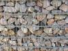 Kalkstein aus Polen für Gabionen - Gabionen Mauer/ Mauer aus Gabionen, Ziersteine / Eckige Steine aus Kalkstein für Gabionen (Natursteine aus Polen) - Foto von unseren Kunden. Natursteinmauer, Gabionenzaun, Gabionenmauer, Naturstein für Gabionen, Naturstein aus Polen, Polengranit, schwedische Natursteine, Schroppen