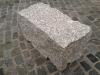 Kamień murowy z granitu, szary, średnie ziarno