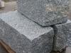 Granit, szary, średnie ziarno, łupany