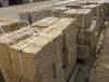 Sandstein-Mauersteine / Naturstein-Mauer / Sandstein-Mauer (grau-gelb), gespalten (Sandstein-Mauersteine aus Polen), Mauersteine für eine Natursteinmauer, Polensandstein