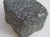 Kostka gabro (importowany mrozoodporny mrozoodporny materiał ukraiński), cięto-łupana (przynajmniej jedna strona cięta)