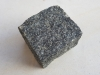 Kostka gabro (importowany mrozoodporny materiał ukraiński), cięto-łupana (przynajmniej jedna strona cięta)