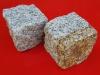 Kostka granitowa (polski mrozoodporny granit), szara i szaro-żółta, średnioziarnista (w stanie suchym)