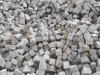 Kostka granitowa szaro-żółta (tzw. melanż), drobnoziarnista, łupana (polski mrozoodporny granit)