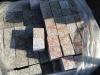 Kostka granitowa, szaro-ruda, cięta, górna powierzchnia płomieniowana (polski mrozoodporny granit)