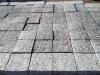 Kostka granitowa, szara, cięta, górna powierzchnia płomieniowana (polski mrozoodporny granit)