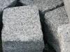 Kostka granitowa (szara, średnioziarnista), łupana, mrozoodporny polski granit