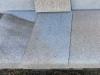 Granit-Platten, grau-gelb, geflammt (Granit aus Polen), Platten für den Garten- und Landschaftsbau, Gehwegplatten, Abdeckplatten, Polygonalplatten, Terrassenplatten, Naturstein aus Polen, unterschiedliche Farben, Formate