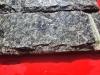 Bossierte Verblender aus Serpentin (nasse Steine) - Serpentinit, Naturstein aus Polen, Platten, Gartenmöbel aus Natursteinen, Natursteinmauer, Gabionensteine, Gabionenzaun, Gabionenmauer