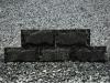 Zur Zeit nicht erhältlich - Bossierte Verblender aus Serpentin - Serpentinit, Naturstein aus Polen, Platten, Gartenmöbel aus Natursteinen, Natursteinmauer, Gabionensteine, Gabionenzaun, Gabionenmauer