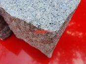 Kostka granitowa (kamienie w stanie suchym), szara, drobnoziarnista, łupana (polski mrozoodporny granit)